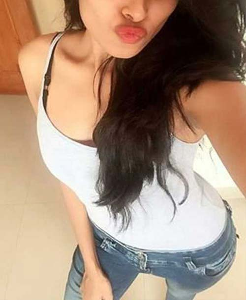 Dating Call Girl in Hyderabad